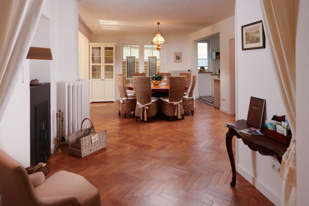 Landhaus-Roemer_Esszimmer1-1