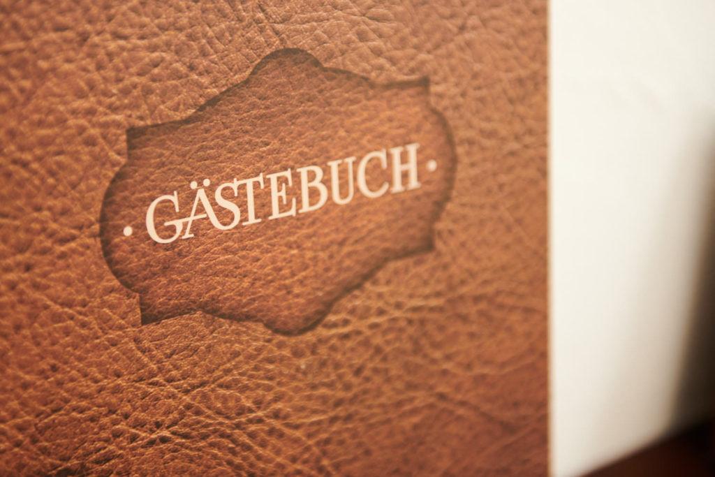 Landhaus-Roemer_Gaestebuch